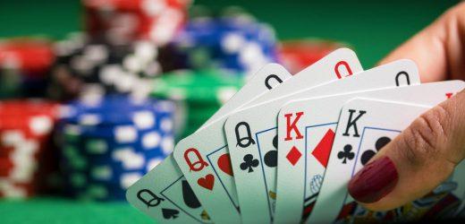 3枚のカードポーカールール:5分以内にプレイすることを学ぶ